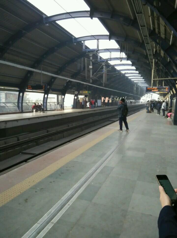 新德里地铁站台