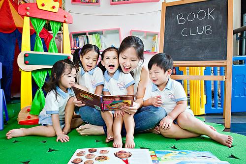 儿童几岁开始学英语