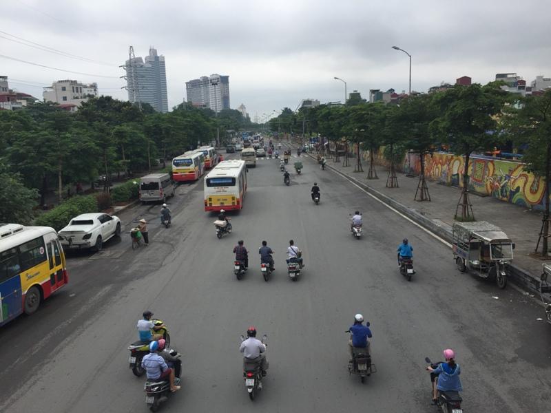 河内红河旁的街道