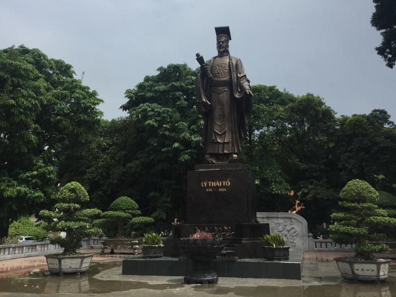 李太祖铜像