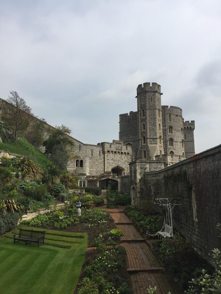 温莎城堡低处的花园