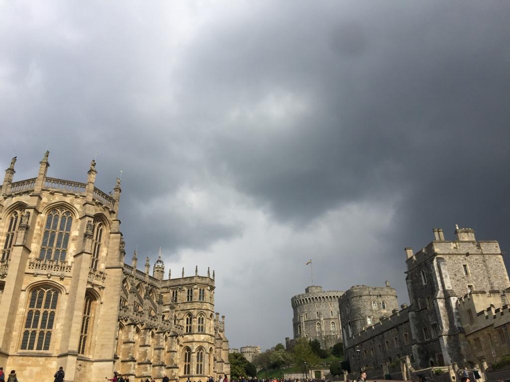 乌云笼罩的温莎城堡