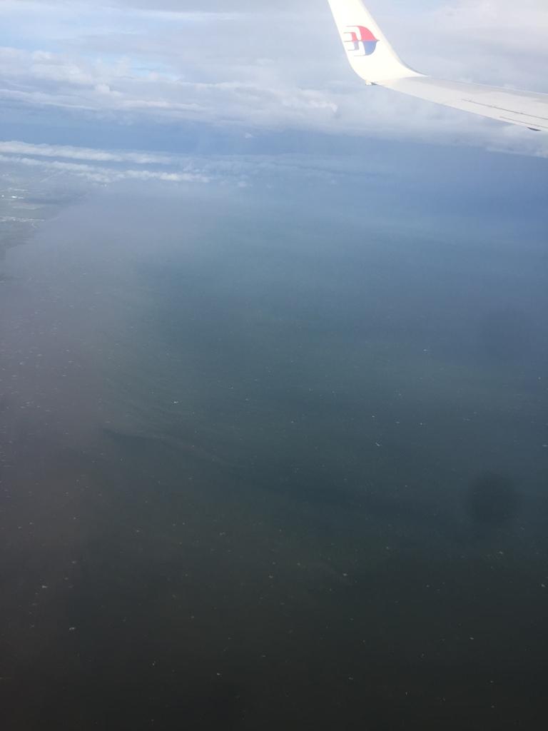 飞机飞过泰国湾