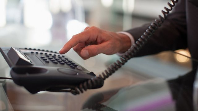 外贸给客户打电话